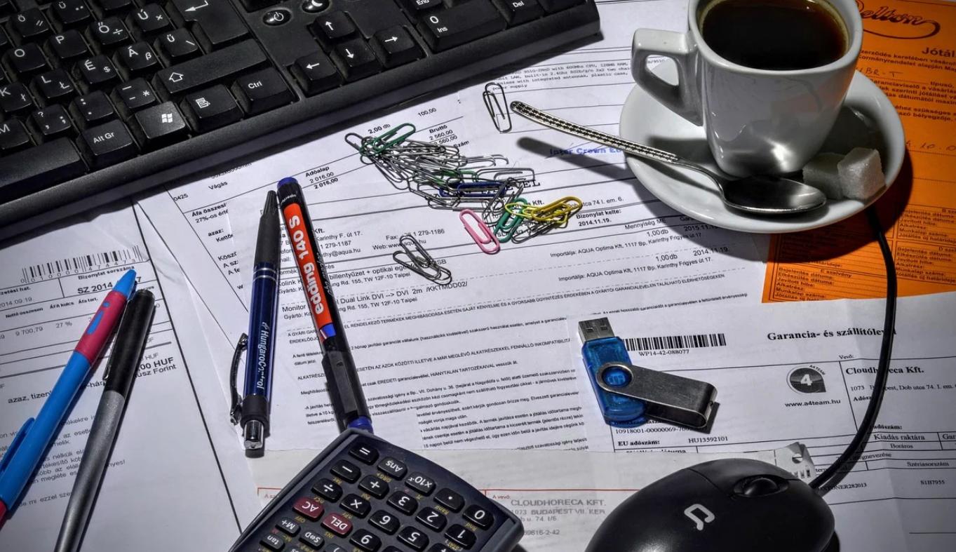宅建士が退職したら変更登録しておかないと次の会社で登録できない