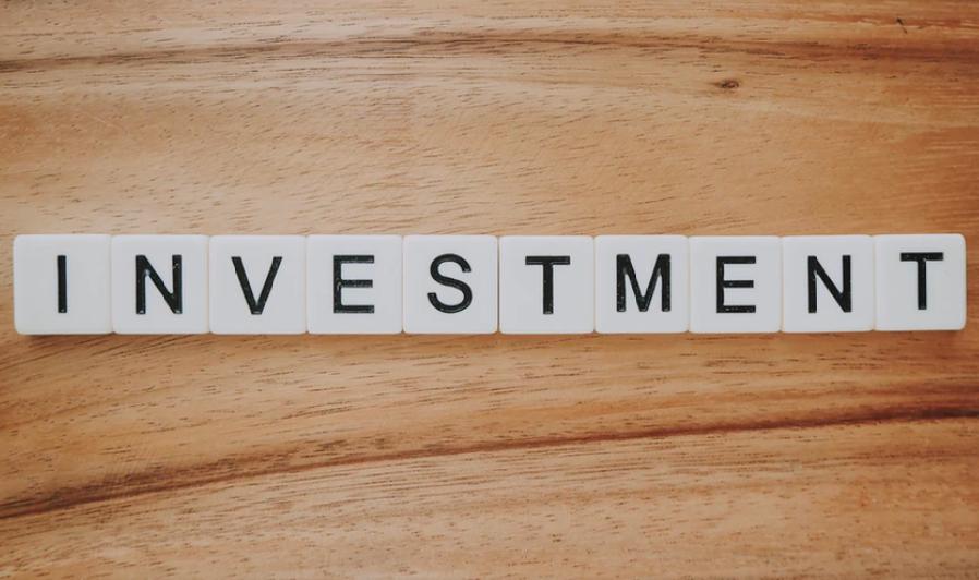 不動産投資は宅建士の方が有利?【アパート経営などに資格は必要か】